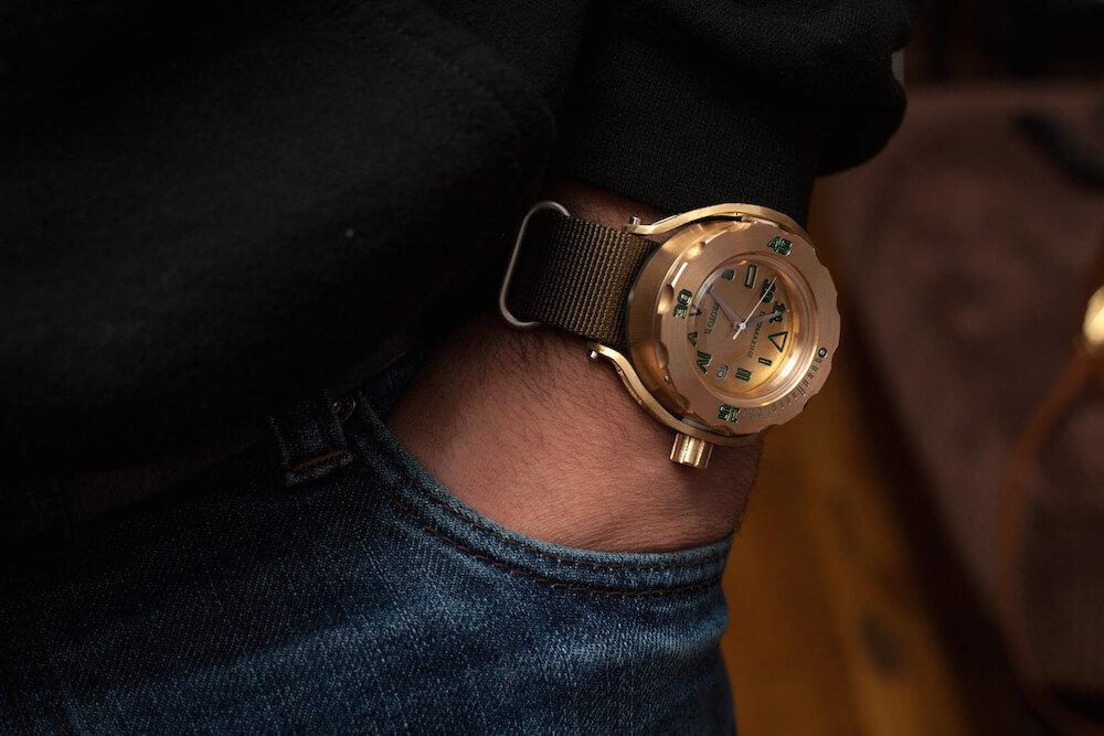 Gyavius-watch-company-deepmarine-wrist