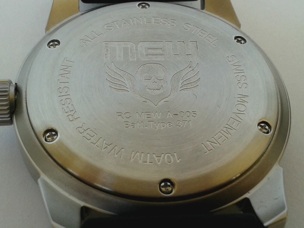 MEW 005 DEPTH PILOT case back watch