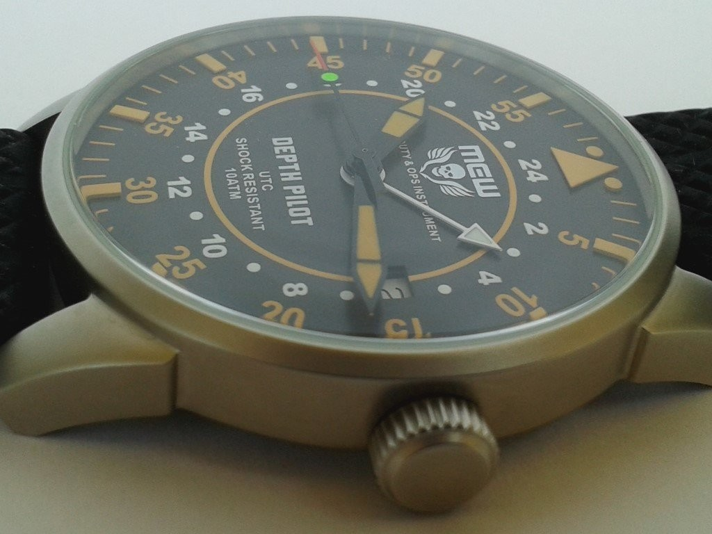 MEW 005 DEPTH PILOT side watch