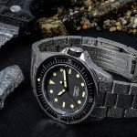 Unimatic Modello Uno dive watch bracelet wet with knife