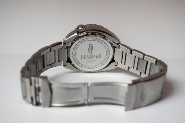Deaumar-ensign-kickstarter-watch-case-back