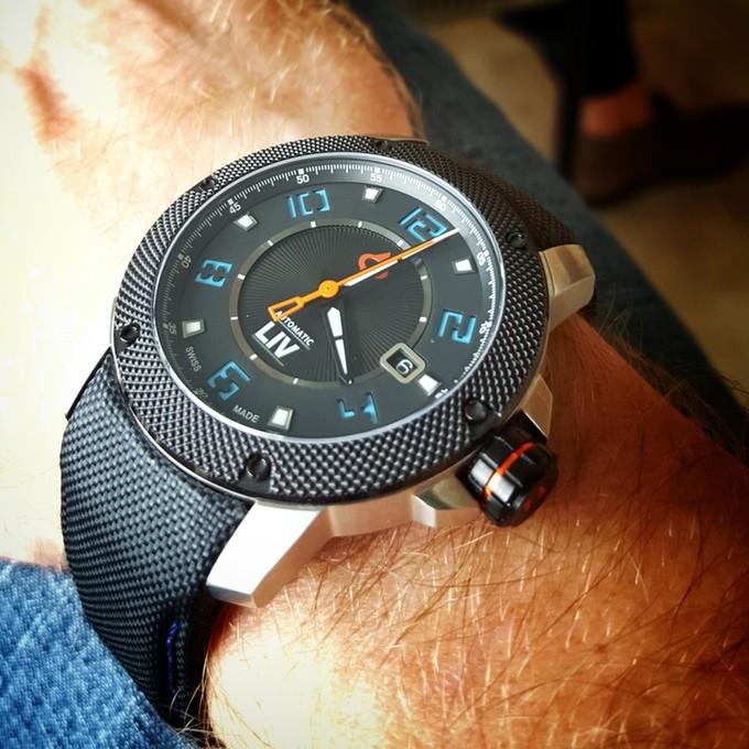 genesis-x1a-LIV-watch