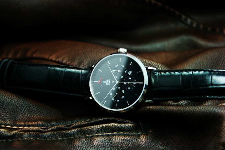 Leyden Watches offer pre-orders for the Power Reserve