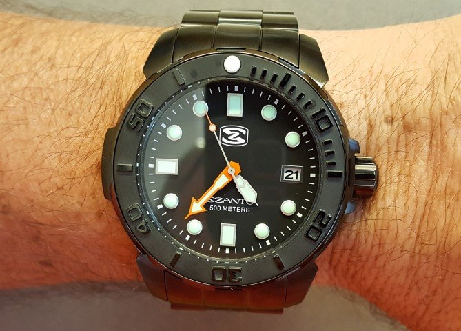 Szanto 5122 quartz 500 M dive watch wrist shot