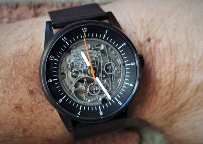 Caliper View A10 wrist 2