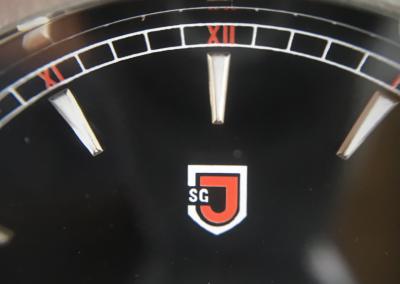 Jubileon Superellipse logo dial