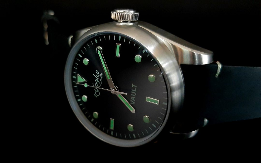 A wearable VAULT on your wrist by Trifoglio Italia